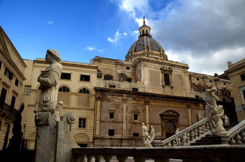Storslagen piazzaPretoria fyrkant i Palermo, Sicilien arkivfoton