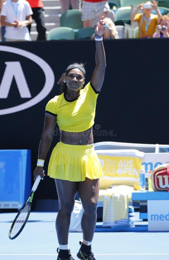 Storslagen Slam för tjugo firar en gånger mästare Serena Williams seger, efter matchen för runda 4 på australiern har öppnat 2016 arkivbilder