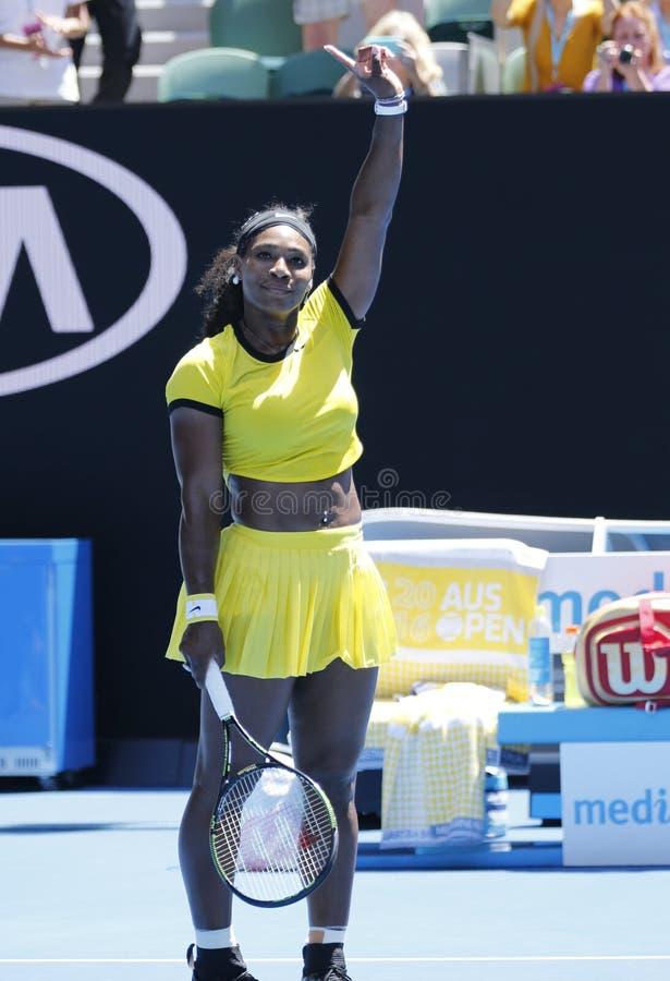 Storslagen Slam för tjugo firar en gånger mästare Serena Williams seger, efter matchen för runda 4 på australiern har öppnat 2016 royaltyfria foton