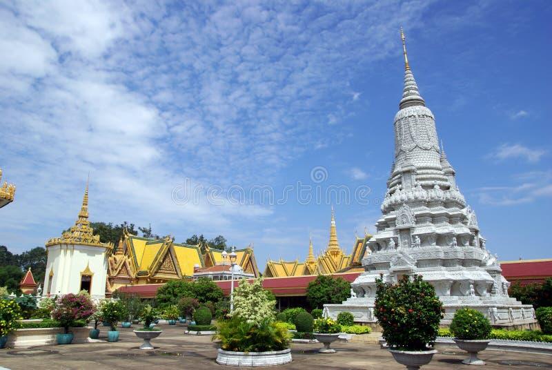 Storslagen slott Phom Penh Cambodja royaltyfria bilder