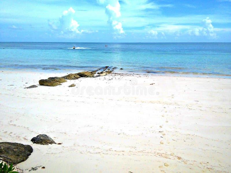 Storslagen strand för Bahama ö arkivbild