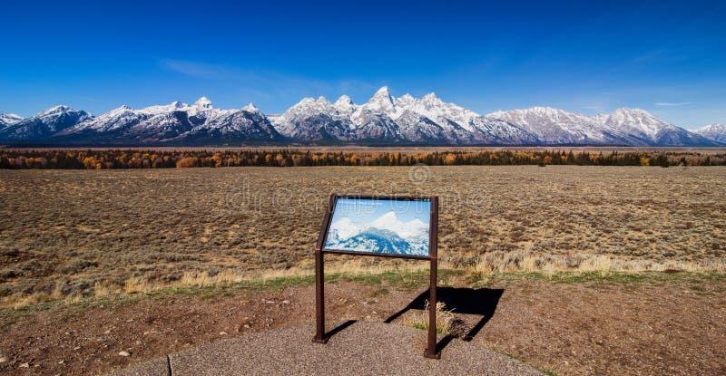 Storslagen Teton bergskedja royaltyfri foto