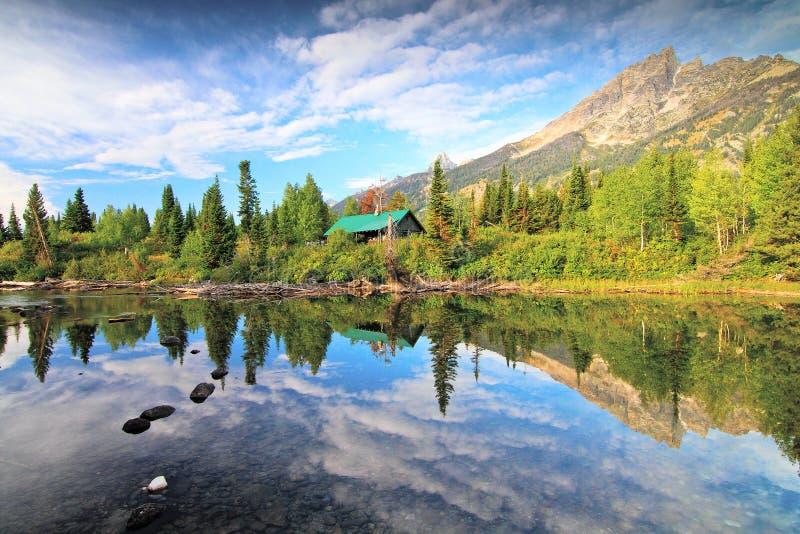 Storslagen Tetons nationalpark i sommar royaltyfri fotografi
