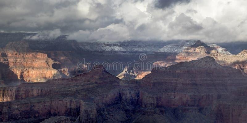 storslagen vinter f?r kanjon arkivfoto