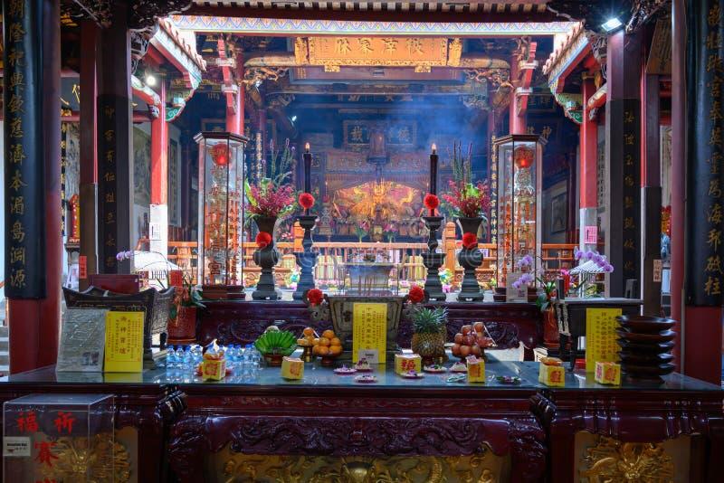Storslagna Matsu Temple, offerings i buddistisk tempel av Tainan, Taiwan arkivbild