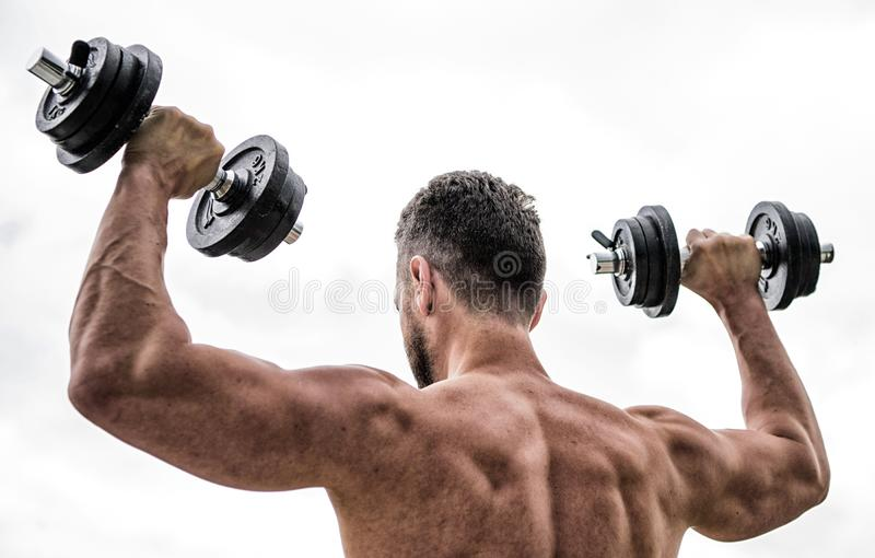 Stort framsteg Sund livsstil Kondition- och sportutrustning manidrottsmantyngdlyftning steroider idrotts- huvuddel royaltyfri bild