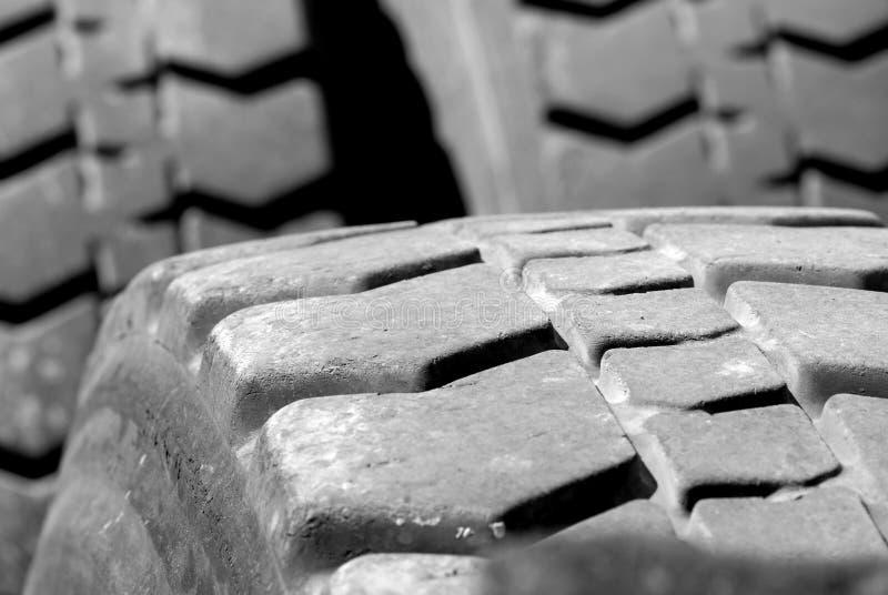 stort gummihjul royaltyfri foto