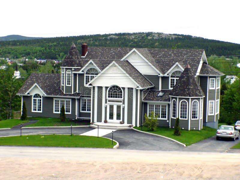 stort hus arkivbild