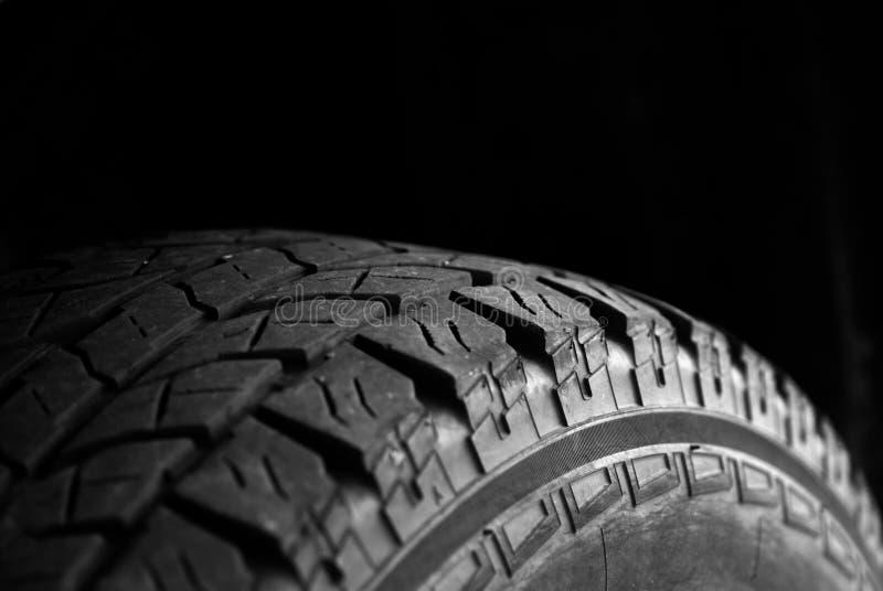 Stort lastbilgummihjul för trans. royaltyfri foto