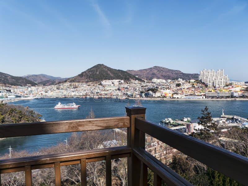 Stort skepp i fjärd av den Yeosu staden 30 ändrande för korea för guardsjuli konung söder pal s seoul arkivfoton