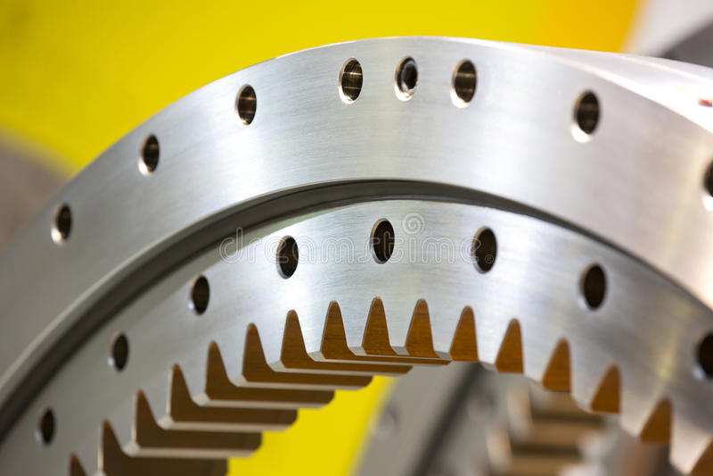 Stort stålkugghjul royaltyfri fotografi
