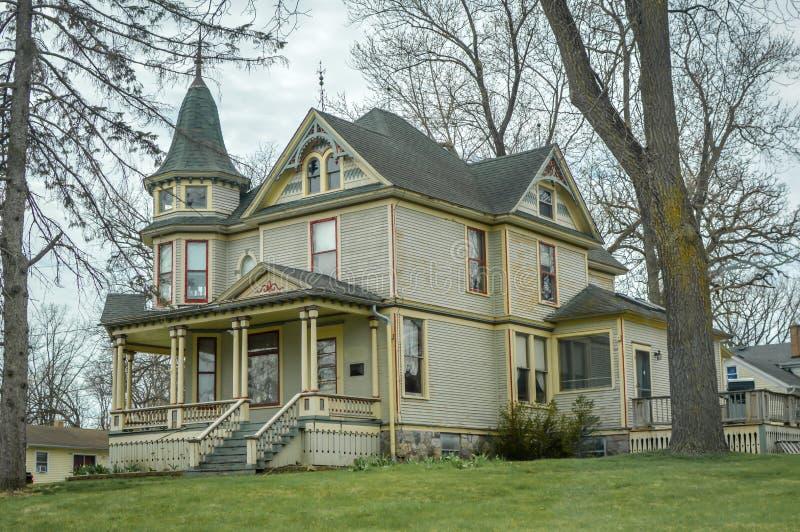 Stort viktorianskt hem - Richmond, Illinois arkivfoto