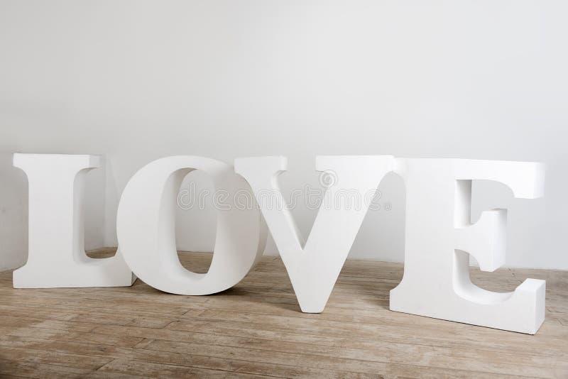 Stort vitt handgjort förälskelseteckenfoto fotografering för bildbyråer