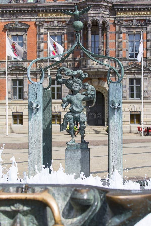 Stortorget, grande place avec hôtel de ville historique et fontaine, Malmö, Suède images libres de droits