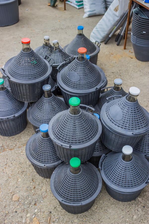 Stos galony dla wody 3 i wina zdjęcia royalty free