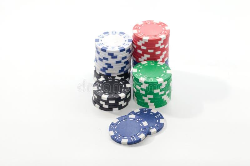 Stos kasyno układy scaleni na bielu obrazy royalty free