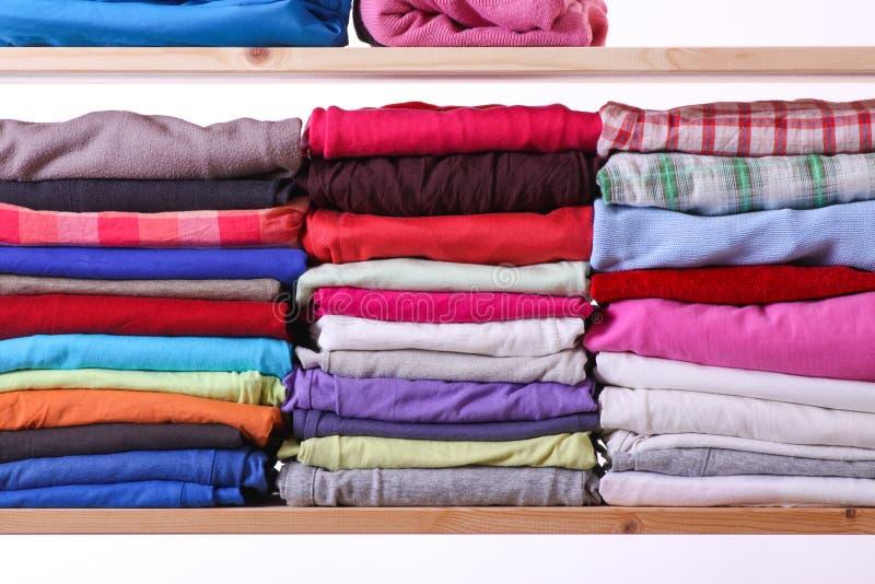 Stos kolorowi ubrania fotografia stock