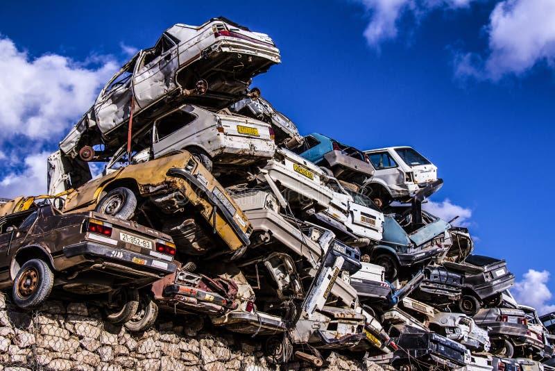 Stos odrzucający starzy samochody obraz royalty free