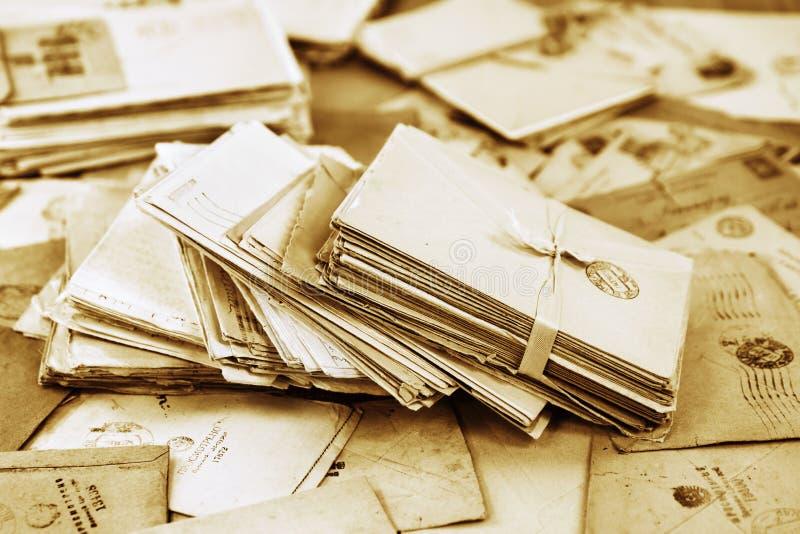Stos starzy papierowi poczta listy zdjęcie stock