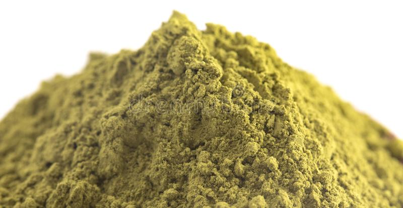 Stos zielonej herbaty Matcha proszek Odizolowywający na Białym tle obrazy royalty free