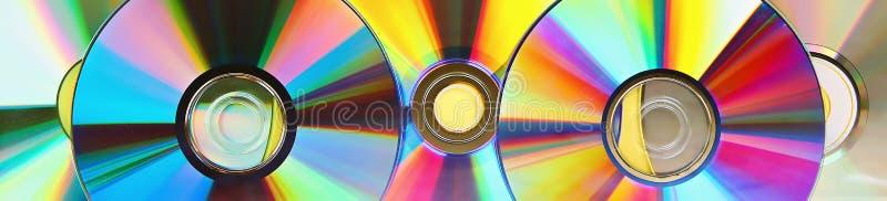 Stosy starzy i brudni cd, DVD sztandar U?ywa? i zakurzony dysk obrazy royalty free