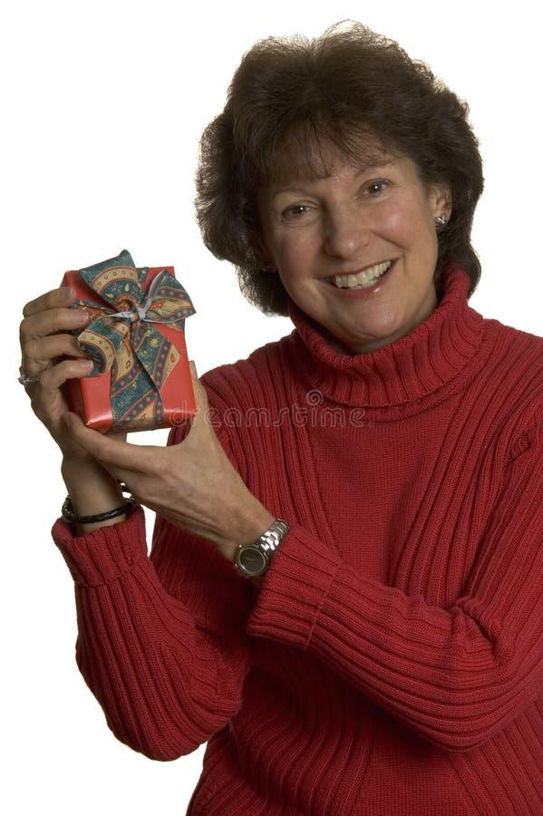 stosy szczęśliwa kobieta prezent obraz stock