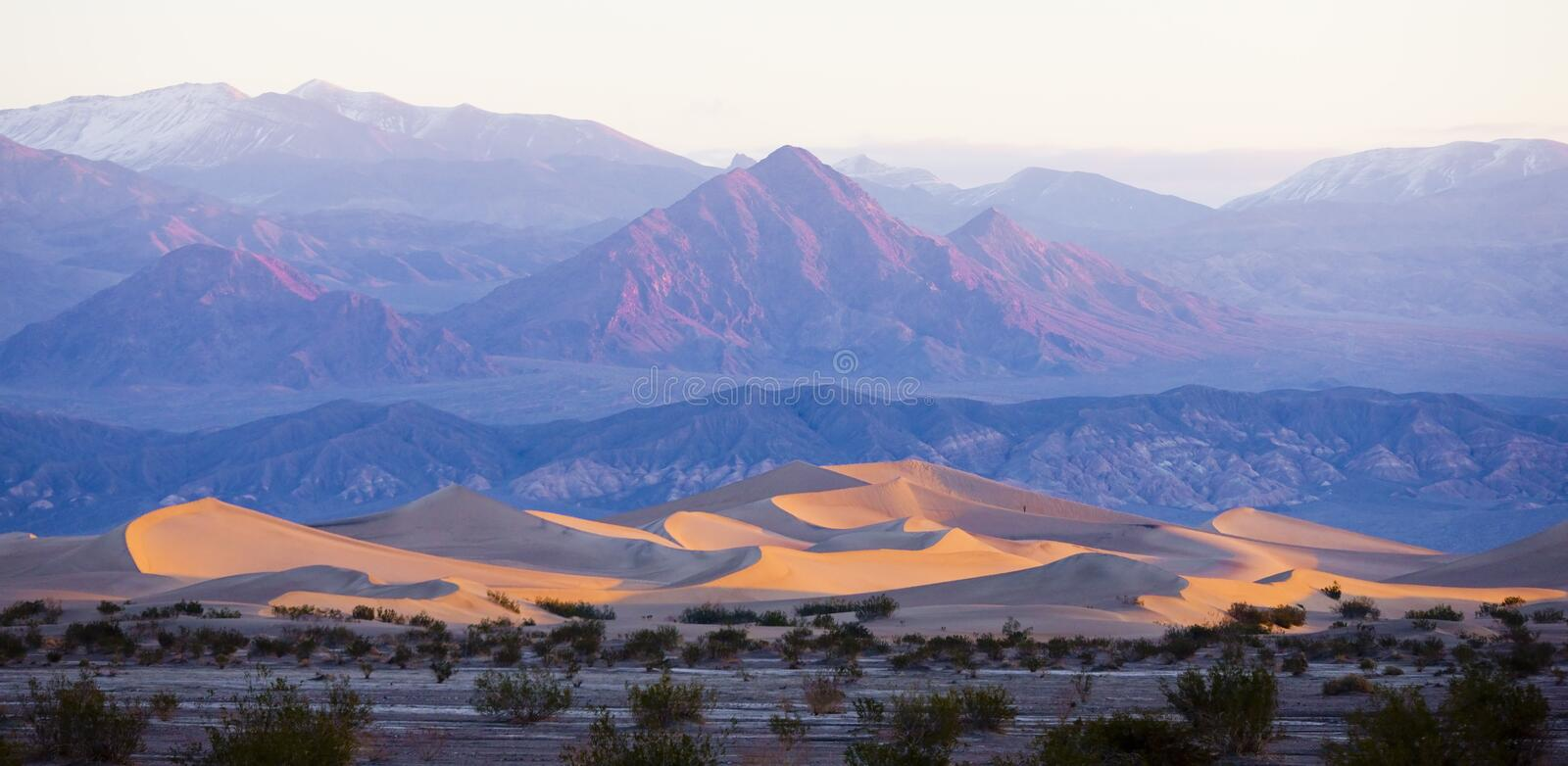 Stovepipe Wells sand dunes, Death Valley National Park, Californ royalty free stock photography