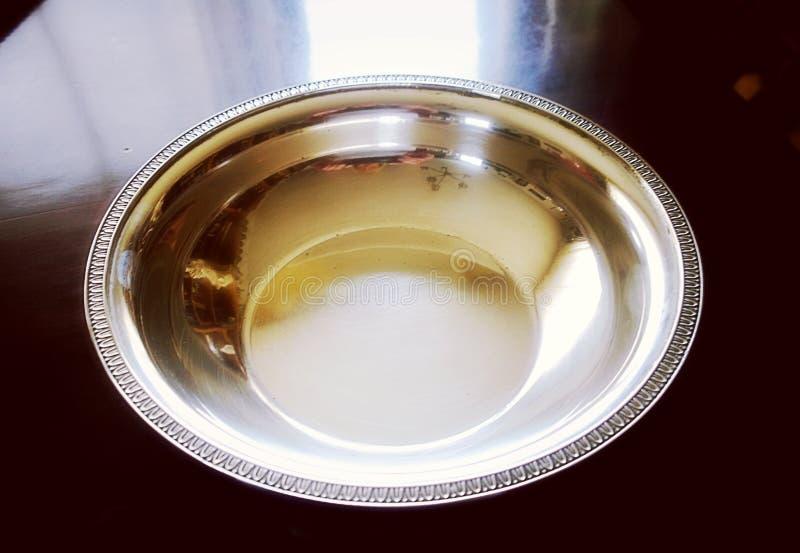 Stoviglie d'annata d'argento, ciotola rotonda immagine stock