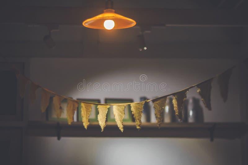 Stränger Bunting trianglar för liten för bomullstorkduk för flagga handgjord för baner för garnering födelsedag för unge flaggor  arkivbild