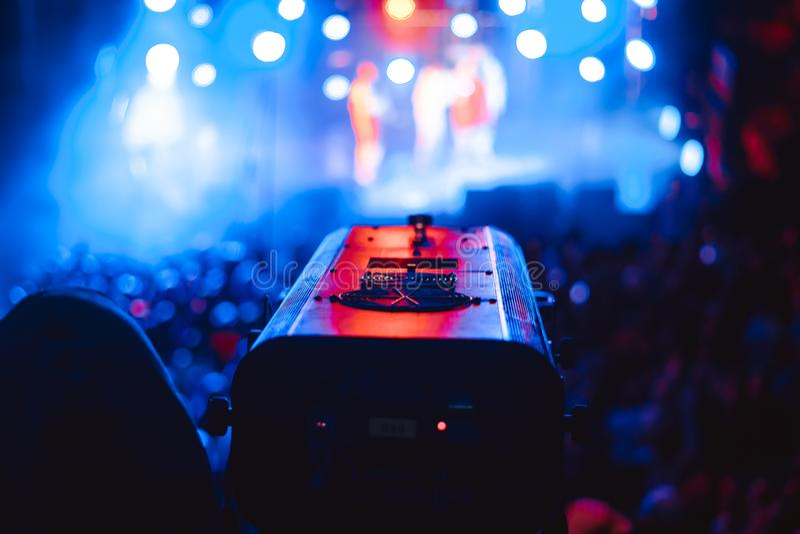 Strålkastare på en konsert royaltyfri fotografi