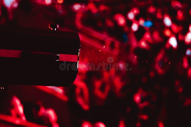 Strålkastare på en konsert arkivfoton