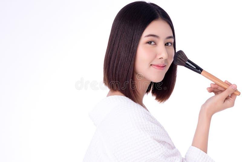 Strålningskänslig ung asiatisk kvinna, ren, färsk och ren hudbild Nackskinkor och hälsotillstånd för asiatiska flickor royaltyfri foto