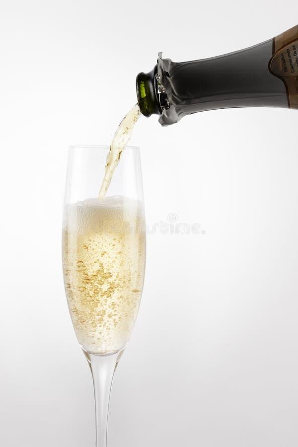 Strömende Champagne stockfoto