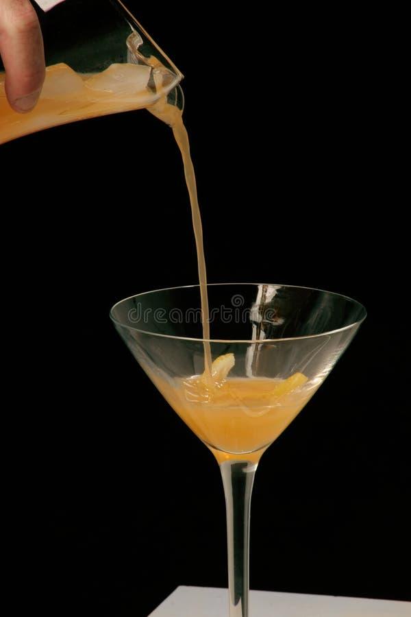Strömendes Cocktail lizenzfreie stockfotografie