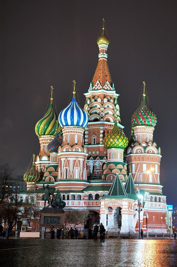 Str. Basilikum-Kathedrale [nachts] 3 stockbild