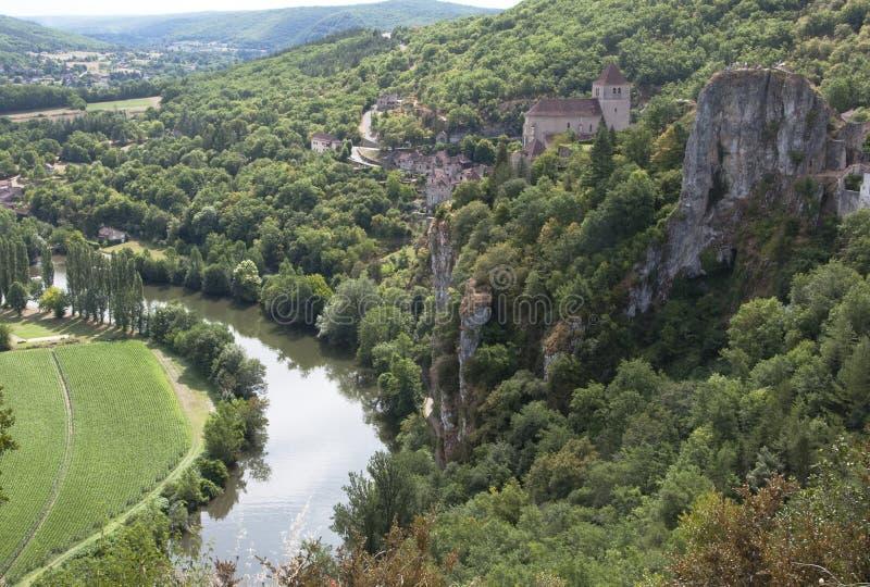 Str. Cyr Lapopie, französisches clifftop Dorf lizenzfreie stockfotos