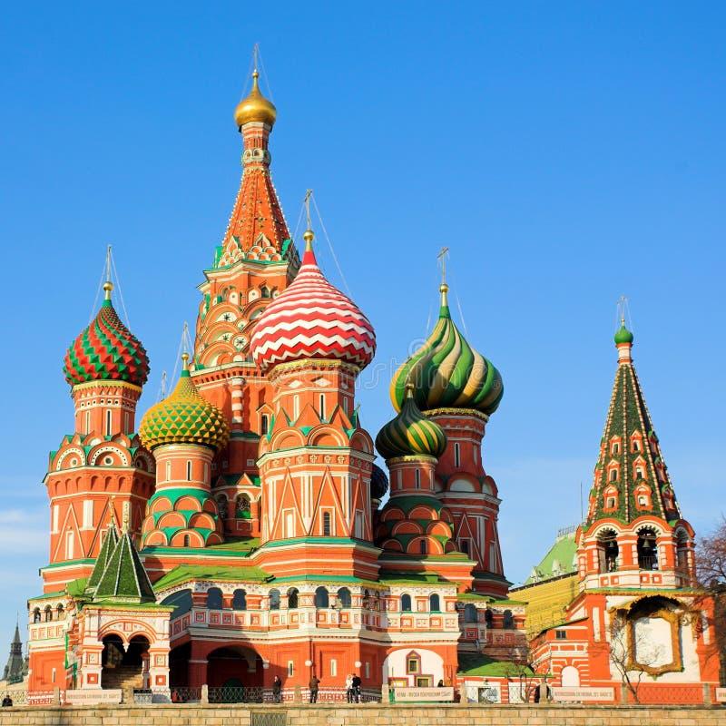 Str. Kathedrale des Basilikums auf rotem Quadrat lizenzfreie stockbilder