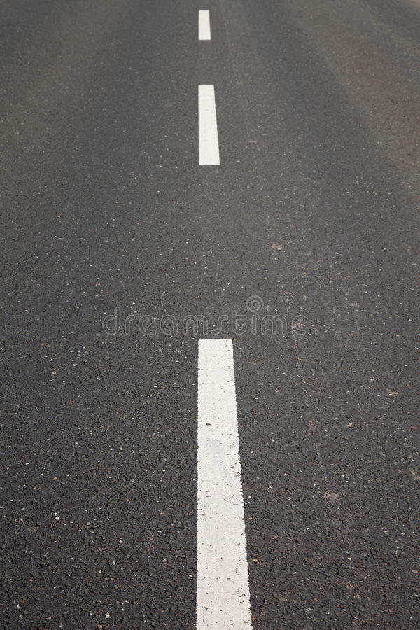 Straße, Asphalt, Mittellinie lizenzfreie stockfotografie