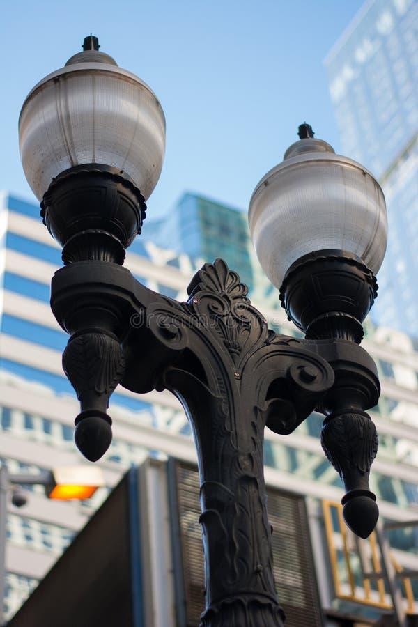 Straße außerhalb der Lampe stockfoto