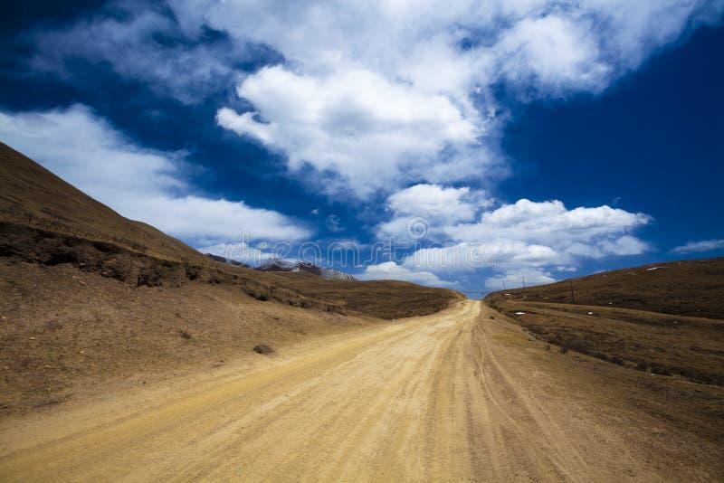 Straße auf Tibet stockfotografie