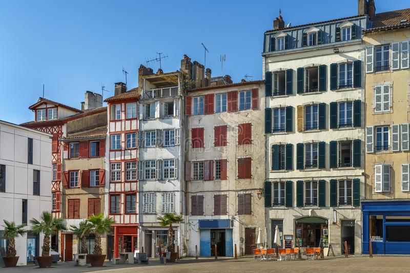 Straße in Bayonne, Frankreich stockbilder