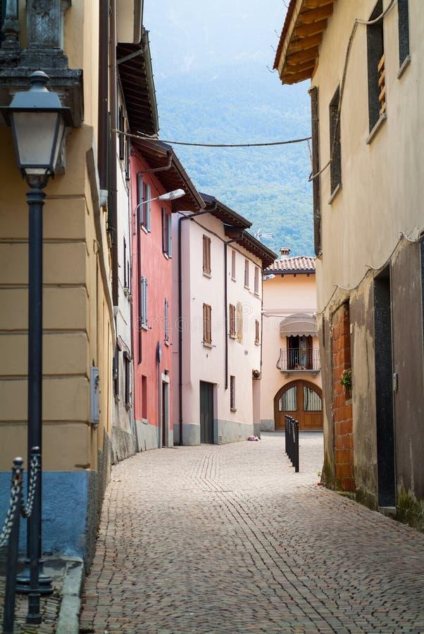 Straße in Colico stockbild