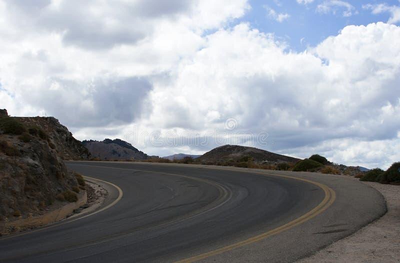Straße in den Bergen - ROHES Format stockfoto