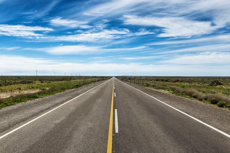 Straße in der Valdes-Halbinsel lizenzfreie stockfotos