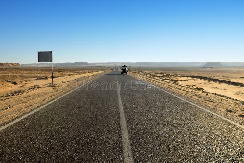 Straße in der Wüste Egypt stockbilder