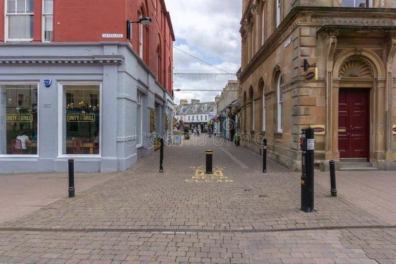 Straße des neuen Markts und leere Shops in Ayr Schottland lizenzfreie stockfotografie