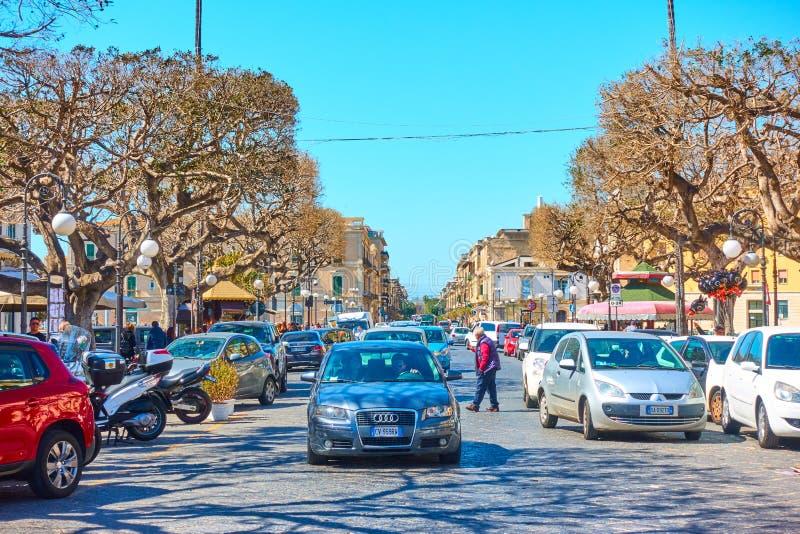 Stra?e die alte Stadt von Syrakus lizenzfreie stockbilder