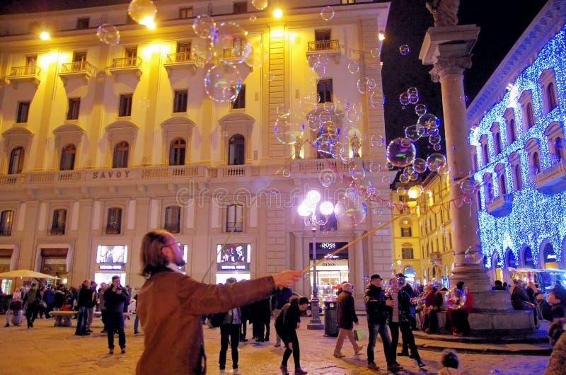 Straße in Florenz bis zum Nacht lizenzfreie stockbilder