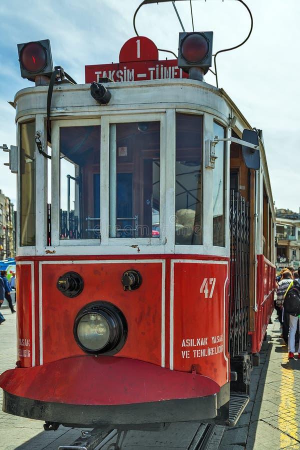 Straße Galatasaray-Tram Taksim Istiklal Istanbul, die Türkei stockfotografie