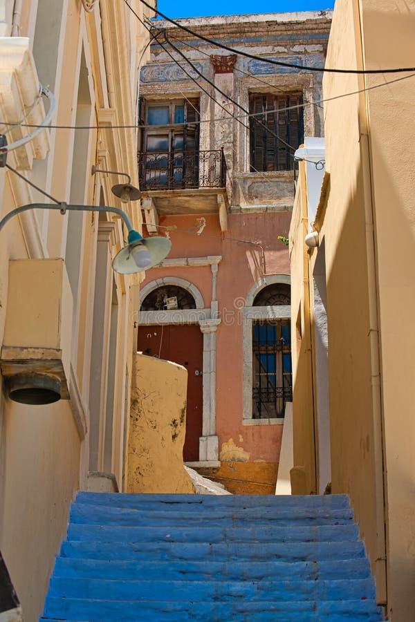 Straße hinter dem Kloster des Erzengels Michael bei Panormitis, Symi stockfoto